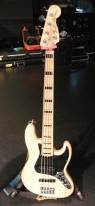 露崎氏Fender USA/American DLX Jazz Bass